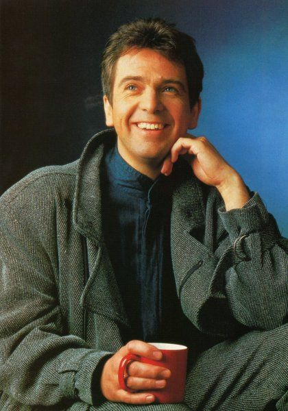 Peter Gabriel...one of the best live performers of the 80's/90's. When you were in his audience, you lived every minute with him.