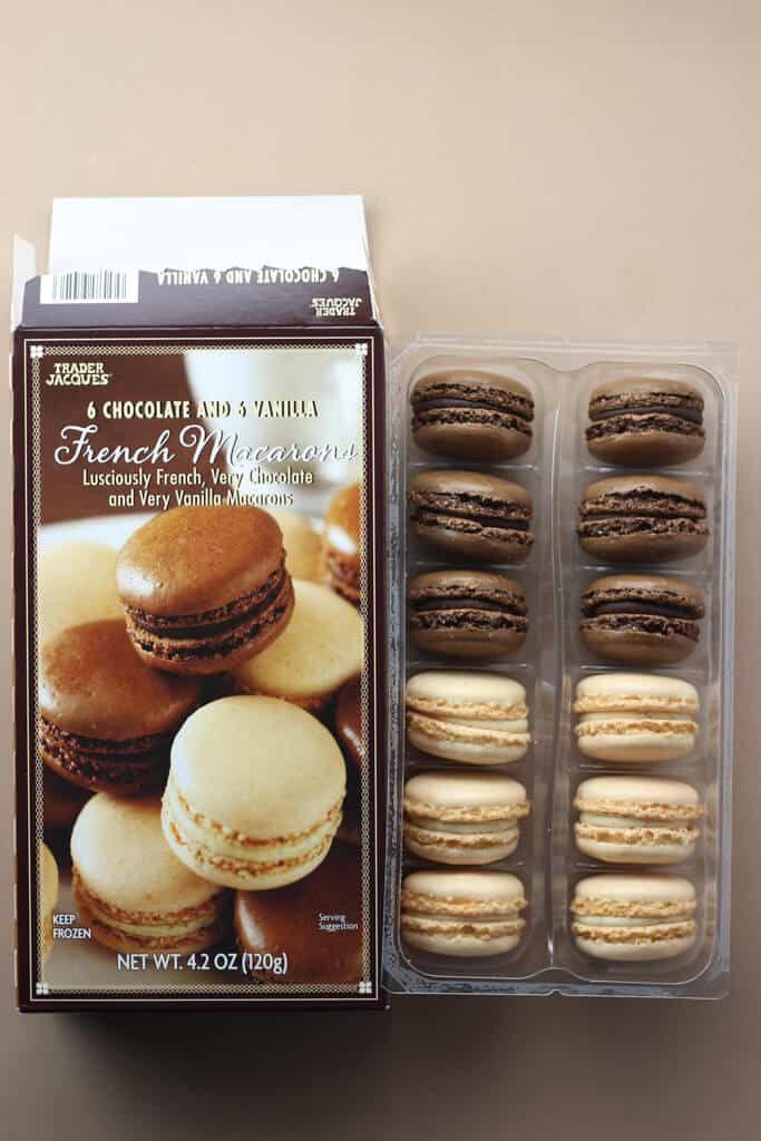 Trader Joes 6 Chocolate And Vanilla French Macarons Review Traderjoes