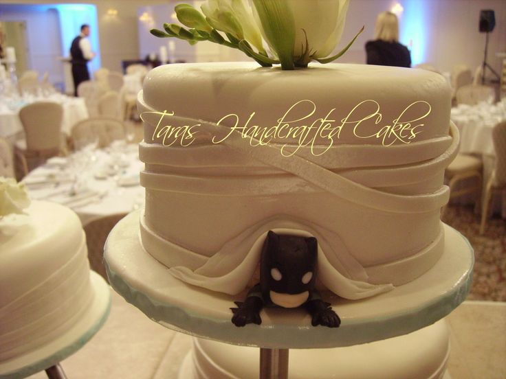 133 Best Wedding Ideas Images On Pinterest | Wedding Stuff, Batman Wedding  And Geek Wedding