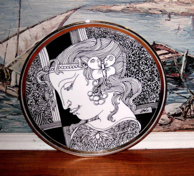 ENDRE SZASZ SAMMELTELLER, HOLLOHAZA UNGARN, HANDVERGOLDET 21 CARAT, D: 20 cm