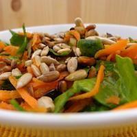 Špenátovo-mrkvový salát pro dobrou krvetvorbu