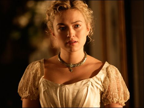 Sophia Myles as Claire. She's my FIRST choice: she is sweet but strong, delicate but determinate and with brown hair she would be perfect.
