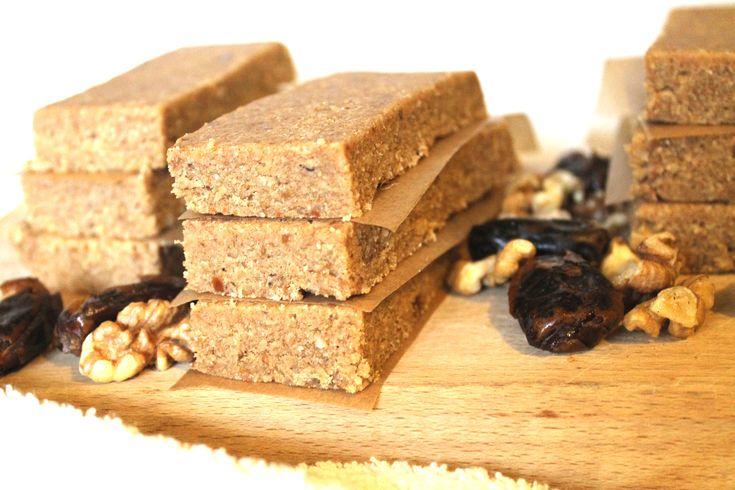 Raw Vegan Bars with Walnuts and Dates (sugar free, vegan, 100% healthy)