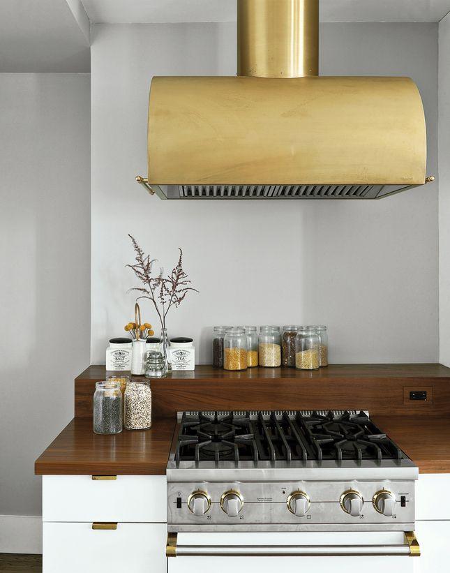 Gold Hood & Details for a stunning kitchen
