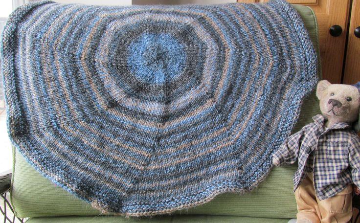 CIrcular blanket, easy care acrylic