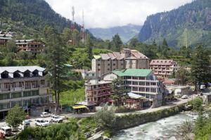 Escape India's Summer Heat at These Hill Stations: Manali, Himachal Pradesh