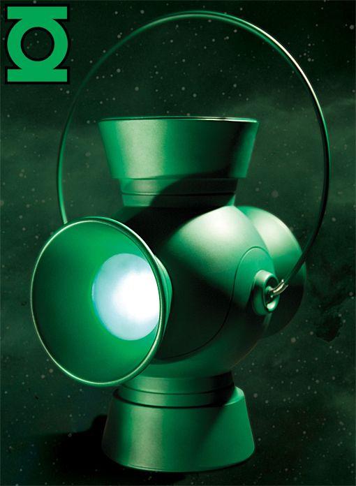 DC Collectibles' Green Lantern replica