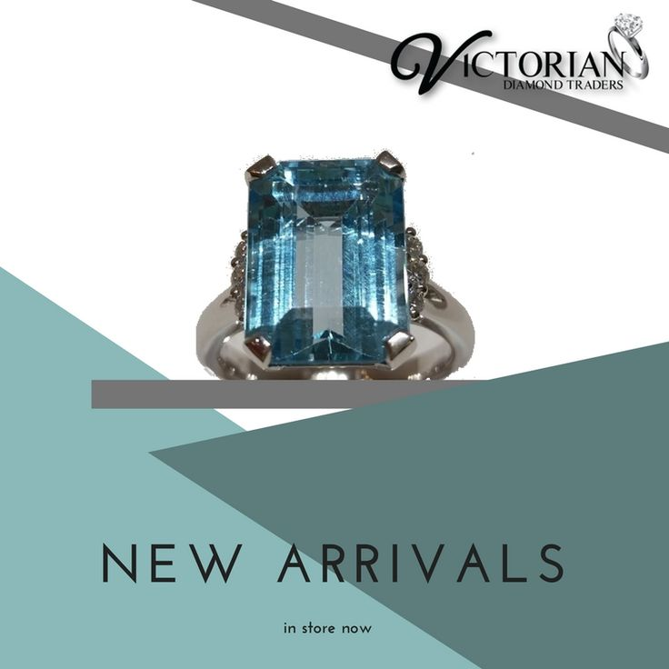 18ct white gold ring with blue topaz and diamonds