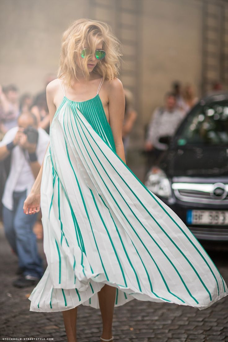 Carolines Mode | StockholmStreetStyle: Green Lantern, Summer Dresses, Maxi Dresses, Midi Dresses, Fashion Forward, Street Style, Carrie Bradshaw, The Dresses, Stunning Dresses