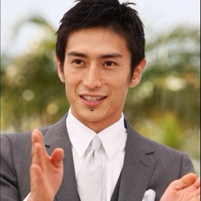 Cooooool!!!! Yusuke Iseya
