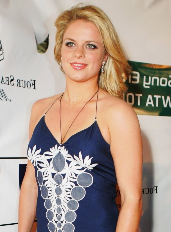 Kim Clijsters Plays in the US Open for the Last Time - Kim Clijsters made her first grand slam win in the US Open last 2005 and she would like to have the same feat as her farewell to the world of professional tennis. She is set to retire because acc