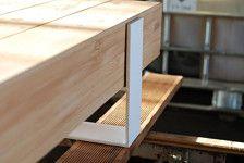 Un tavolino / panca. Perfetto per un loft, il salotto o il corridoio. 100% riciclato legno – legname di larice che ha mentito dimenticato per 6 anni, telaio verniciato a polvere. Cera naturale finitura.  Dimensioni (lunghezza/larghezza/profondità) 140/45/32 cm  Per maggiori dettagli si prega di contattare il proprietario del negozio su Etsy o di spedizione noi su: biuro@poppyworks.pl  Per informazioni di spedizione e costi, non esitate a contattarci su: biuro@poppyworks.pl
