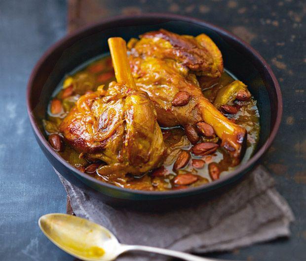 Découvrez la délicieuse recette de la souris d'agneau confites au safran et aux amandes...
