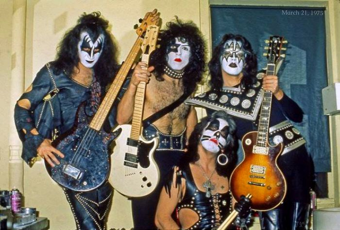Kiss Dressed to Kill | KISS ~Dressed to Kill tour…Beacon Theater NYC ~March 21…
