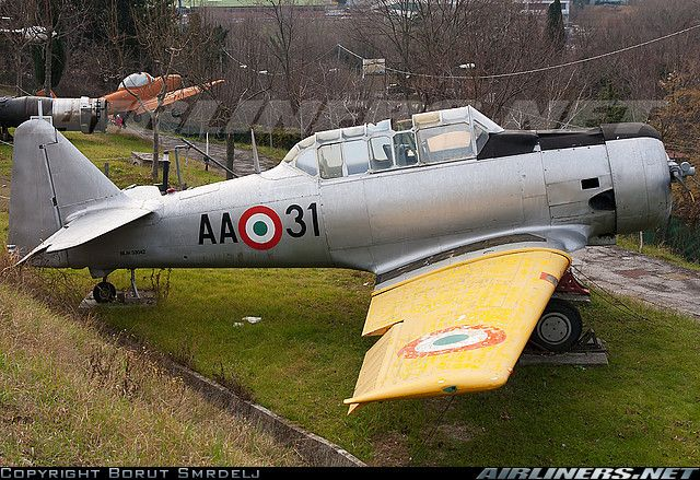 Italian Air Force: North American T-6C Texan