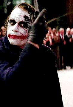Indo além da caixinha: Fandom Friday: Favorite Fandom Phrases - Frases de Fandom favoritas Coringa joker