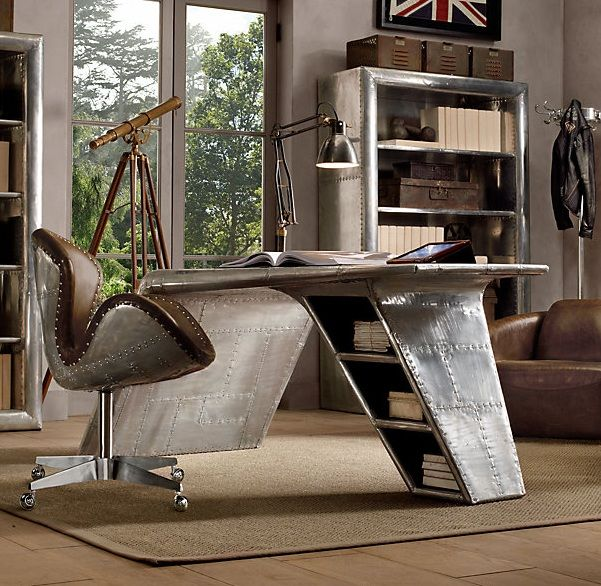 Wing Desk. Aviation themed rooms