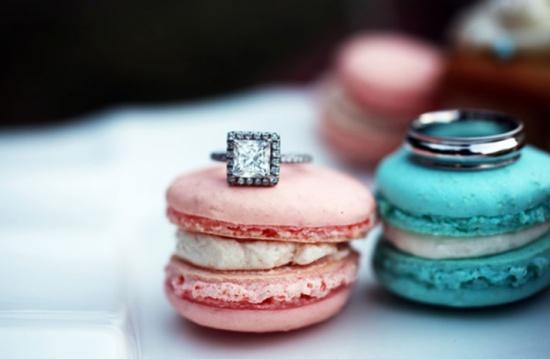 Wedding Dresses & Things: Super Sweet Engagement Ring Shots