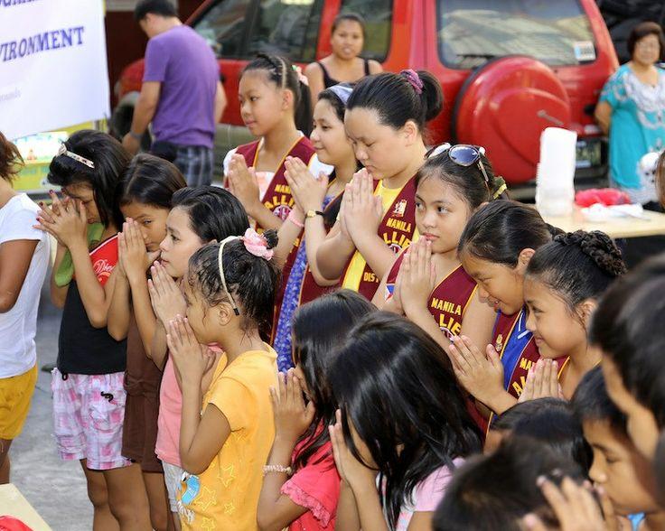 Manila Allied Leo Club (Philippines)   Leos organized their first feeding program