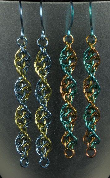 Inverted Spiral Earrings - chainmaille - with weave instructions here http://www.mailleartisans.org/articles/articledisplay.php?key=357 #Wire #Jewelry #Tutorials