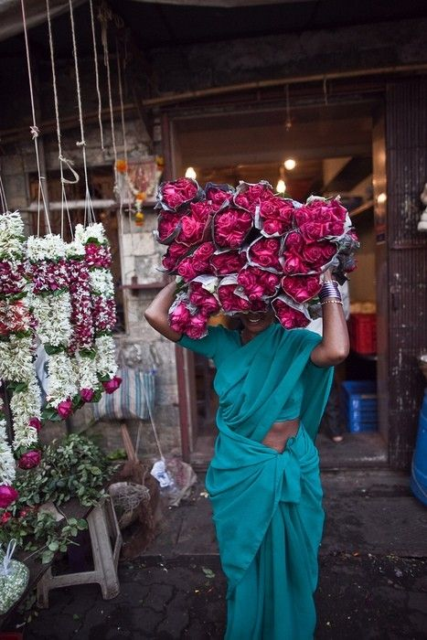 Flower Power: flower vendor South Asia #India.