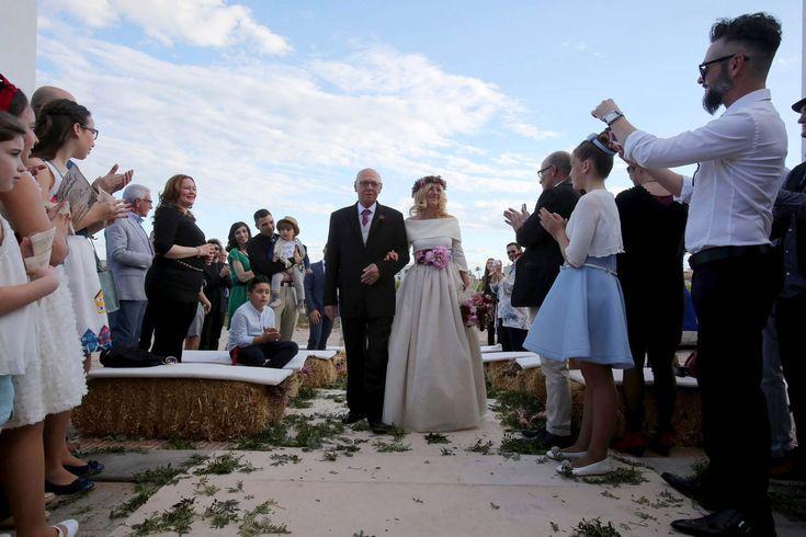 Entrada novia en la ceremonia //Ceremony. Foto: Eva Ripoll. Organización: Señor y señora de #bodassrysrade www.señoryseñorade.com