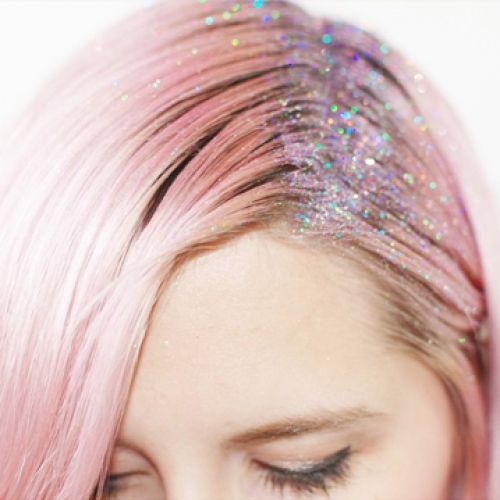 pink hair! with glitter! dreaming away with this hairstyle