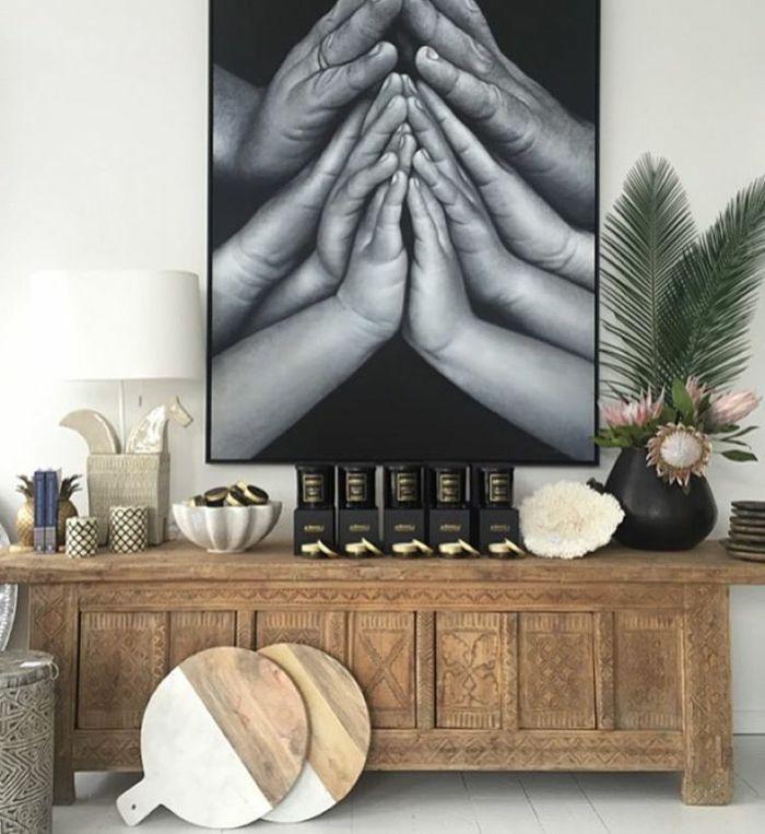 fotos originales, preciosa foto en grande marco colocada en la pared ...