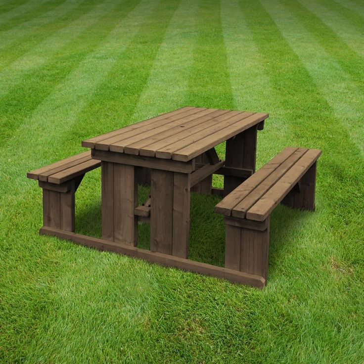 Tinwell picnic table (available in 4ft - 8ft, rounded edges and in rustic brown/light green)