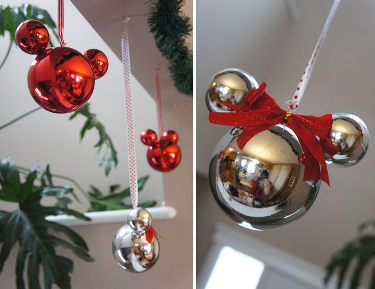 https://i.pinimg.com/736x/e0/00/9d/e0009df0eb0b92f8ae964469b2198572--mickey-christmas-christmas-store.jpg