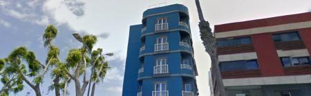 Tamasite Hotel an der Promenade von Puerto del Rosario. Die Rezeption ist von 09:00 bis 22:00 Uhr. Wenn Ihre Ankunft außerhalb dieser Zeiten, informieren Sie uns bitte vorab per E-Mail oder telefonisch unter 649445460 oder 928531494 und informieren Sie über das weitere Vorgehen. Tamasite Zimmer verfügen über ein modern und freundlich mit einem Flachbild-TV und 32-Zoll-Full-Bad eingerichtet.