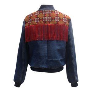 Image of Jeans jakke med rød fryns og ternet broderi