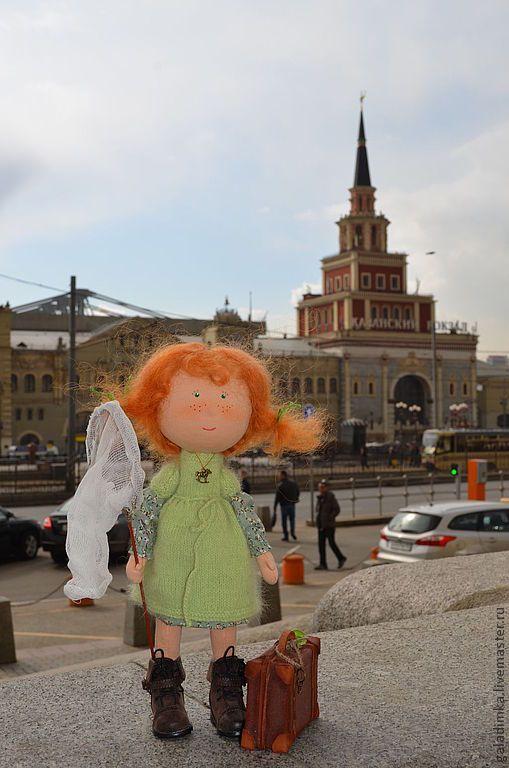 Купить Девочка Глаша - салатовый, чемодан, девочка, подарок, кукла, кукла текстильная, кукла интерьерная