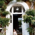 Just outside of London in Richmond, England, the Brenner family found their double-fronted Victorian future home. Built in 1875, the hous...