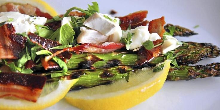 asparges med bacon og chèvre