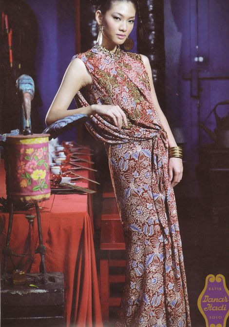 Model Marcela Tanaya (JIM Models) wearing Sapto Djojokartiko's batik dress for Batik Danar Hadi 2011 ad campaign.