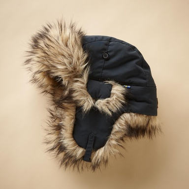 FURRY FJALLRAVEN TROOPER HAT - Sundance, yes I am known to be out in the garden in this very warm hat....