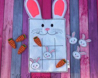 Lapin blanc en feutrine jeu Tic Tac Toe - lapin de Pâques cadeau amusant voyage jeu enfant - prêt à être expédier