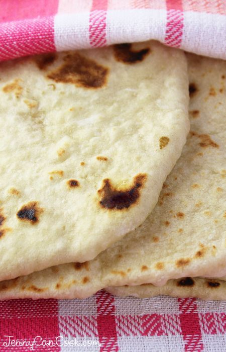 Quick and Easy Flatbread recipe from Jenny Jones (JennyCanCook.com) - Make soft and puffy flatbreads in 30 minutes.