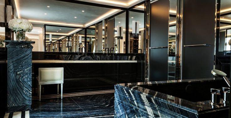 L'Hôtel de Crillon a fait peau neuve après 4 ans d'hibernation. Et sa nouvelle déco vaut le détour !