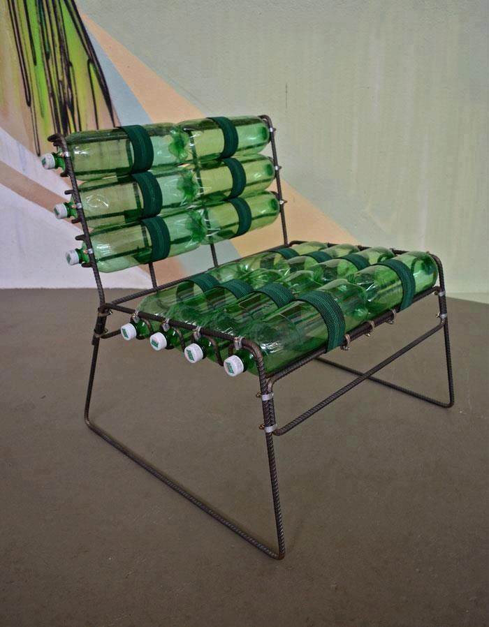 Moderna silla aprovechando la comodidad que proporcionan for Sillas plasticas modernas
