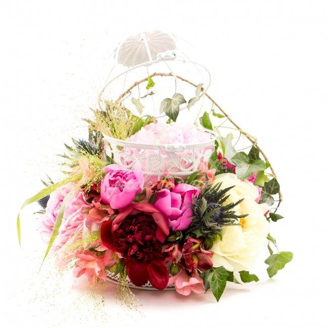 Flori de oferit Sfintii Constantin si Elena! 💞read: https://www.facebook.com/notes/florarie-online-florideluxro/flori-sfintii-constantin-si-elena-21-mai/1332829363419403/ … 🌷shop flori Sfintii Constantin si Elena: https://www.floridelux.ro/flori-pentru-ocazii/flori-cadouri-sarbatori/flori-sf-constantin-si-elena-21-mai/ …