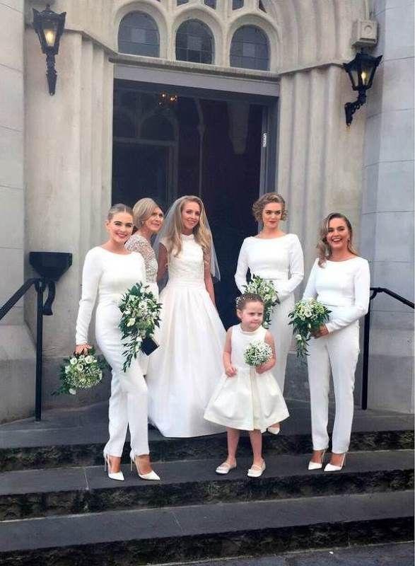 the-hottest-wedding-trend-25-stylish-bridesmaids-jumpsuits-10 - Weddingomania