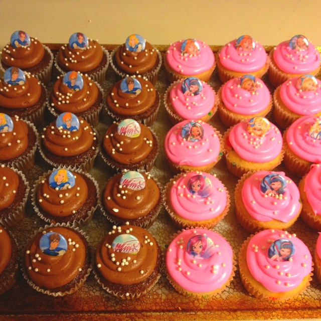 Winx club cupcakes using flat back buttons