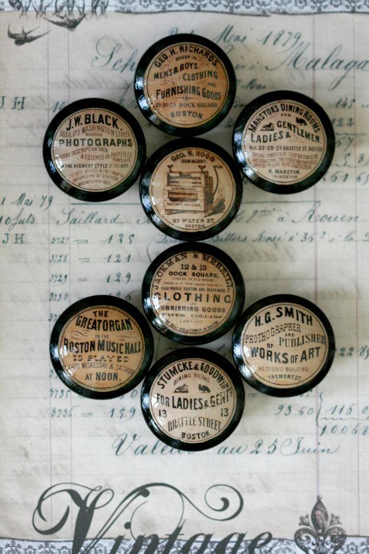 Vintage Knob Ladies n Gents Door Pull. via Etsy.