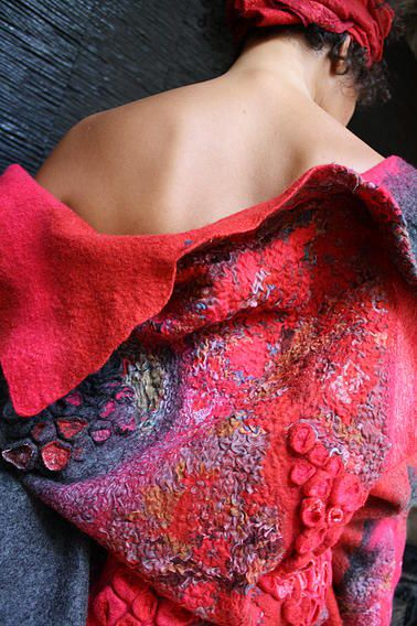Françoise Christien | Artiste textile feutrière | Art à porter