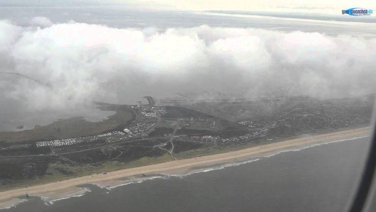 """Tiefflug Sylt mit  Lufthansa Boeing 747-8 """"Schleswig Holstein"""" in 600 m Höhe. Erst eine Woche zuvor war das Flugzeug mit der Registrierung D-AIYQ getauft worden, am 2.10.2014 hatte die Lufthansa eingeladen, exklusiv einen ersten persönlichen Eindruck zur neuen """"Premium Economy Class"""" zu machen. Highlight war ein Vorbeiflug aus nur 600 m Höhe entlang der Küste von Sylt. http://www.ganz-muenchen.de/tourist/airport/fluggesellschaften/lufthansa/premium_economy_class/info.html"""