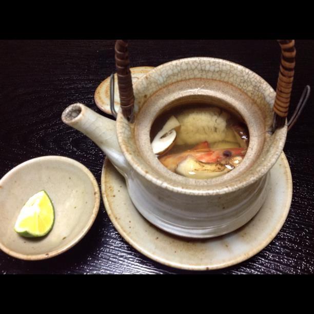 Clear soup with matsutake mushrooms, prawn, pike eel, ginkgo nuts in a teapot.  https://www.facebook.com/osaka.hachiko