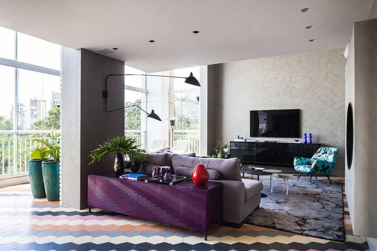 #excll #дизайнинтерьера #решения Одним из самых инетерсных  и визуально привлекательных элементов – это пол пространства, которое соединяет салон и столовую.