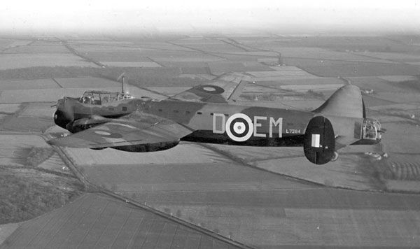 RAF 207 Squadron Manchester in flight, circa 1940-1941